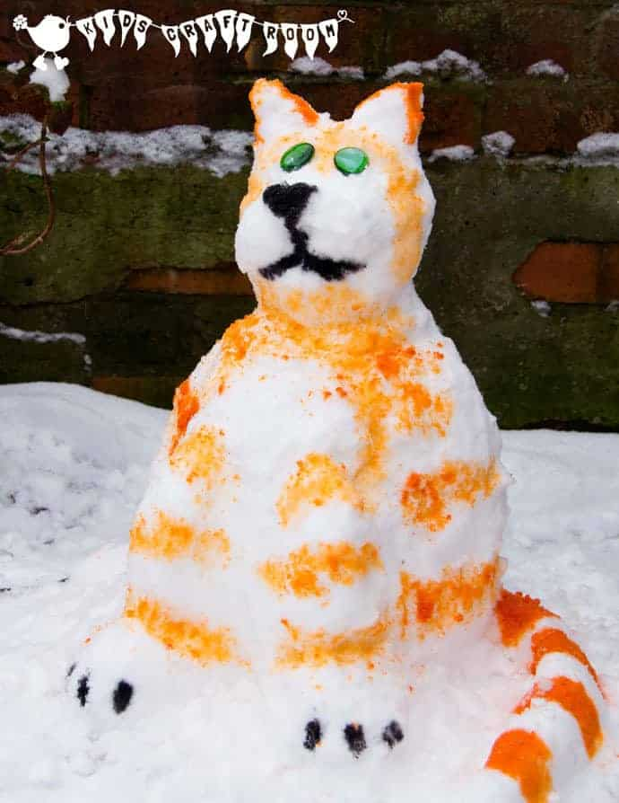 Have fun SNOW PAINTING, a fabulous winter activity for kids.