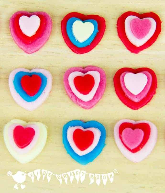 Make Cute Valentine's Day Sweets. Great gifts for kids to make for others.