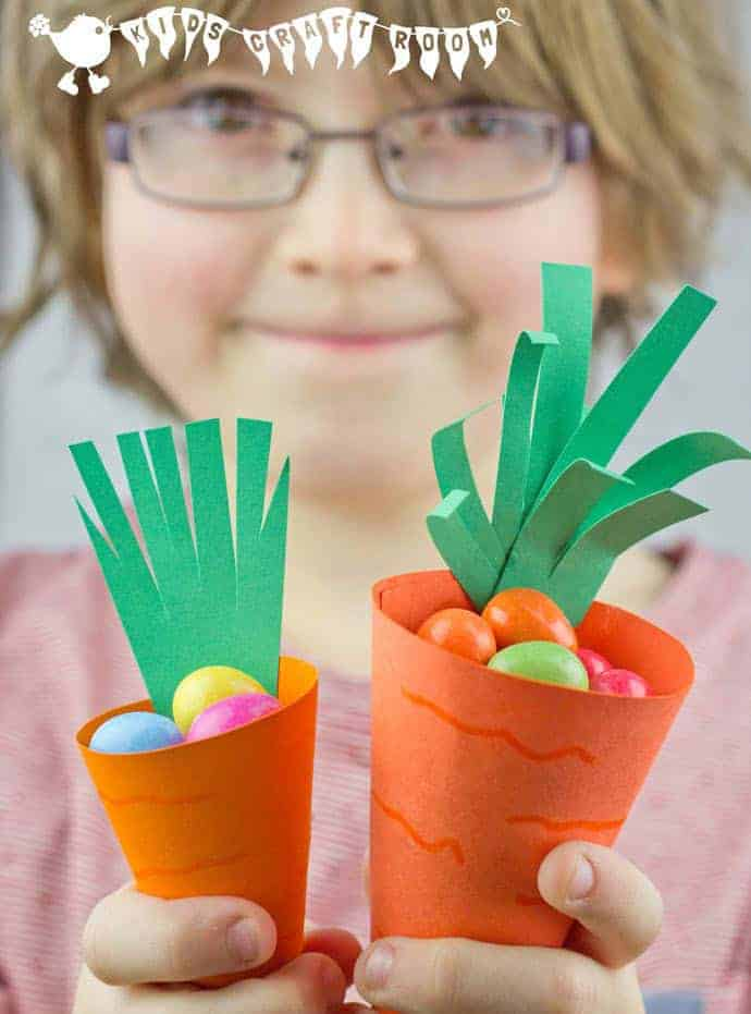 CUTE CARROT EASTER BASKETS This is a fun and easy Easter craft for kids. Make your own Easter basket craft for Easter egg hunts and Easter gifts. (Free Printable) #kidscraftroom #easter #eastercrafts #eastercraftsforkids  #easterbaskets #easterbasketideas #eastergift #freeprintables