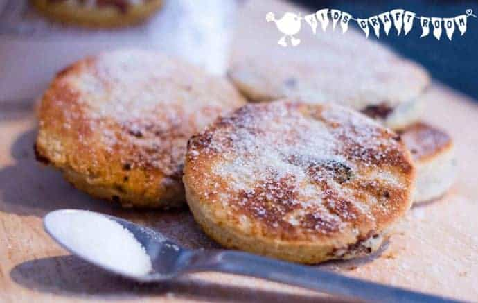 Welsh Cakes Recipe - delicious hot or cold.