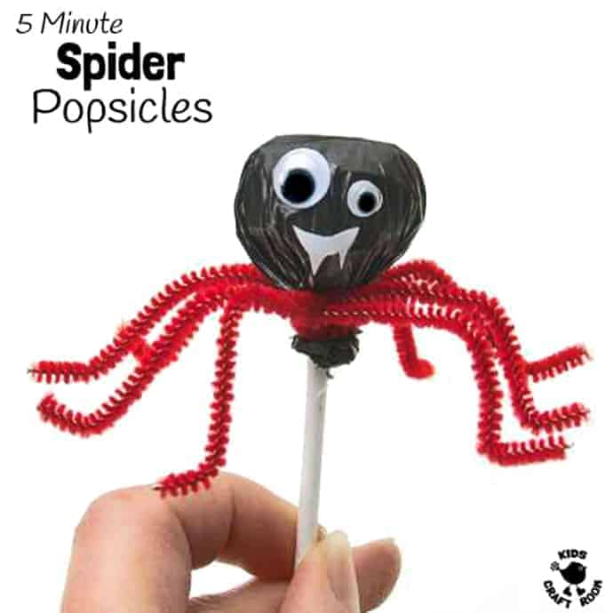 SPIDER POPSICLES - A fun Halloween treat kids can make. This fun spider craft makes Halloween food super quick and easy!