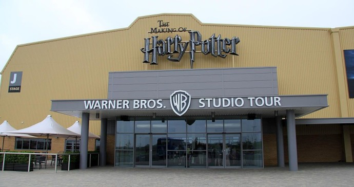 1024px-Harry_Potter_Leavesden_entrance