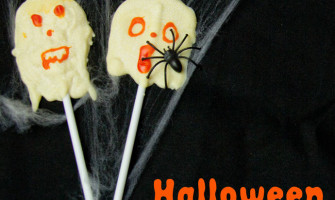 Spooky Ghost Lollies, a fun Halloween food ice for kids.