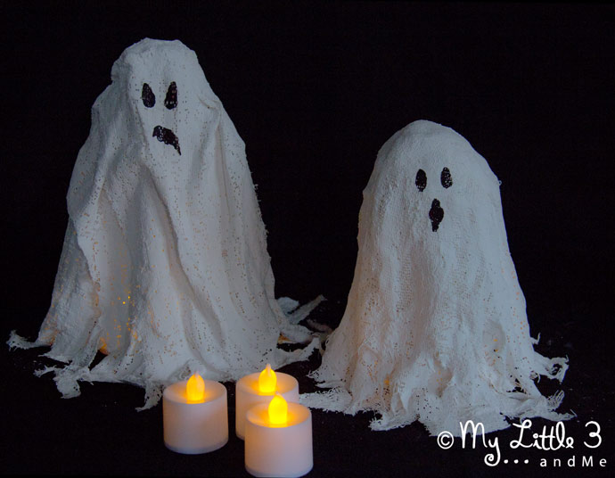 Make DIY Mod Roc Ghost Lights. A fun and different Halloween craft idea great for little and big kids.