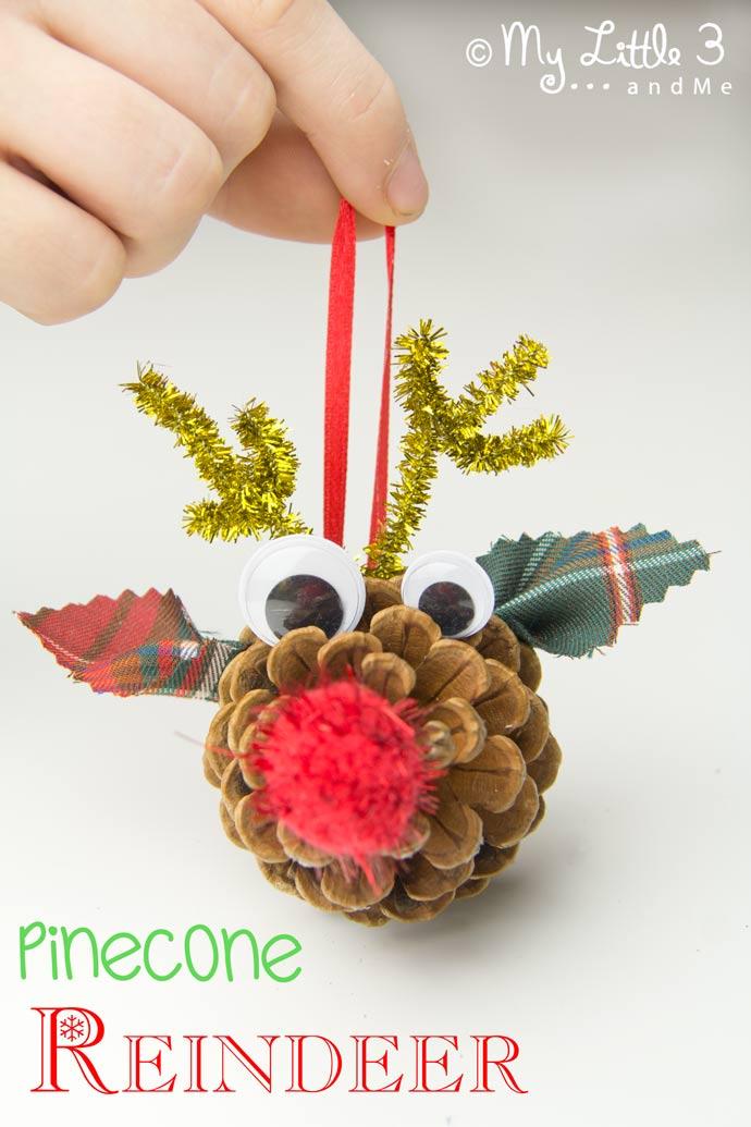 Você ama todas as coisas Rudolf?  Nossos ornamentos caseiros Pinha rena são tão fáceis de fazer e apenas demasiado bonito para palavras!  Um ofício do Natal do divertimento para as crianças.