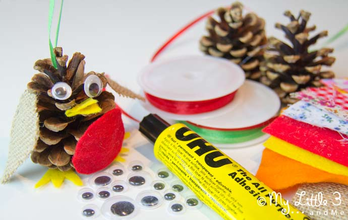 Tweet, tweet! Join us to make adorable CHRISTMAS ROBIN ORNAMENTS. An easy kid-made pine cone Christmas craft to enjoy this holiday.