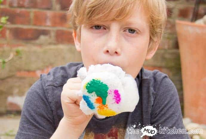 Kids won't tire of making exciting wiggly Bubble Snakes. This simple and cheap bubble activity is great fun for the garden or bath time and quick & easy do.