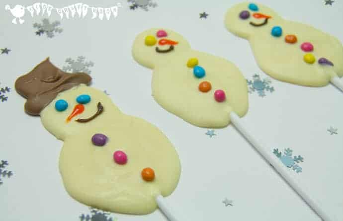 Kids can have great fun making their own cute and tasty white chocolate snowman lolly. It's super easy and they make fabulous and frugal homemade gifts too.