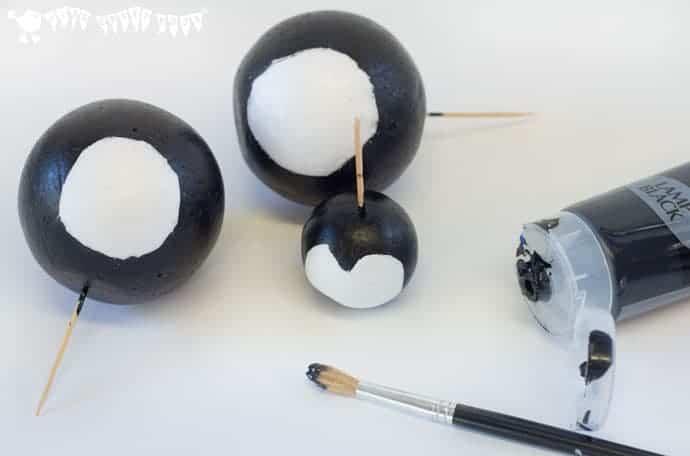 paint-polystyrene-balls-for-penguin-ornaments--penguin-craft