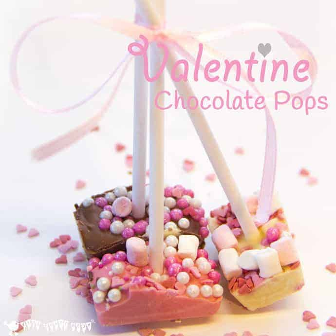 HOMEMADE CHOCOLATE POPSICLES are such a fun way for kids of all ages to get creative in the kitchen. Quick, easy and cheap to make these tasty treats are great for creative play dates or as little gifts for friends.