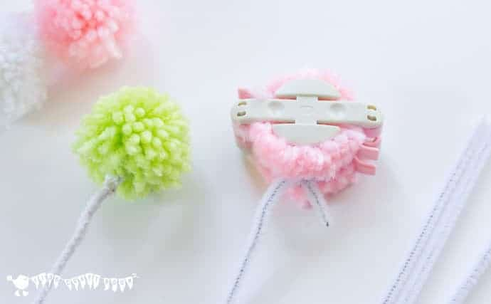 Making-Bunny-Rabbit-Finger-Puppets-With-Pom-Poms-and-Pipe-Cleaners