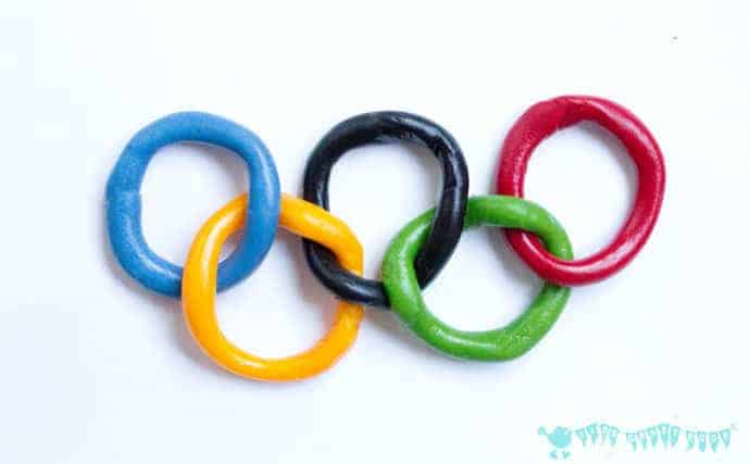 Olympic-Craft-Kids-Necklace-step-3