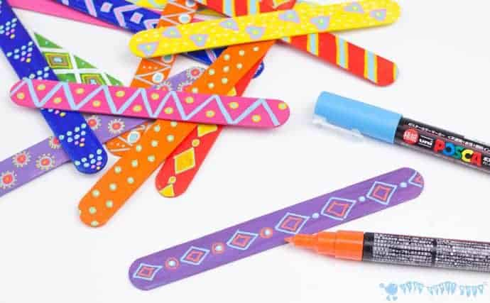 decorating-popsicles-sticks-for-mix-n-match-snake-craft