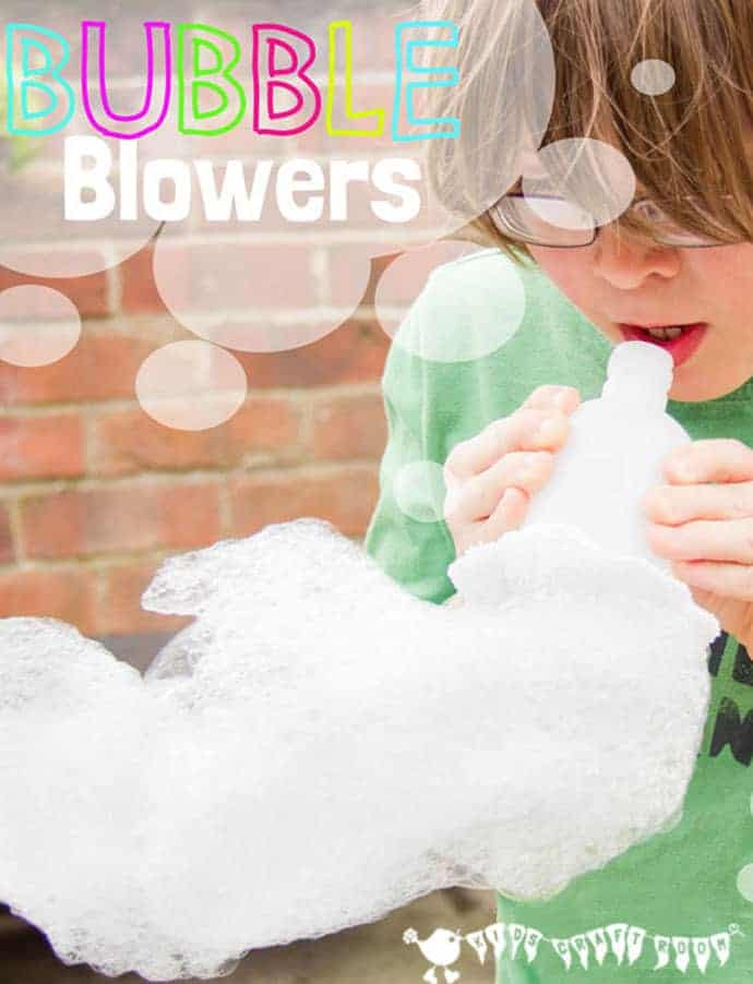 DIY BUBBLE BLOWERS Kids won't tire of making exciting wiggly Bubble Snakes. This simple and cheap bubble activity is great fun for the garden or bath time and quick & easy do. #bubbles #bubblewand #bubblerecipe #outsideactivities #outdooractivities #kidsactivities #play #playideas #playactivities #kidscraftroom #bubblesnake #sensoryplay