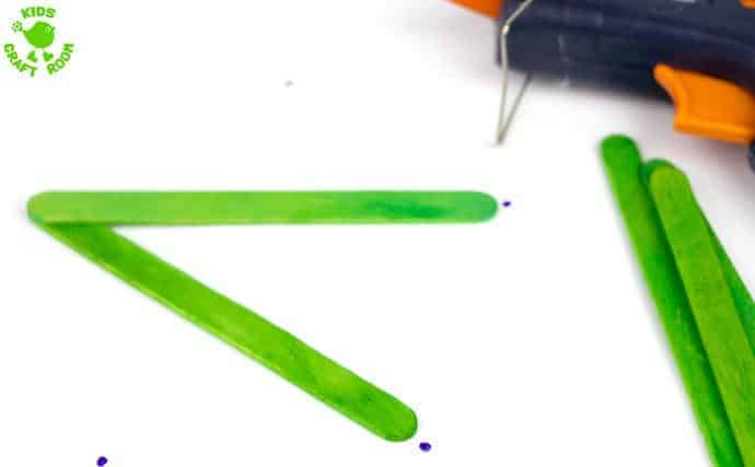 How to make a popsicle stick star step 2