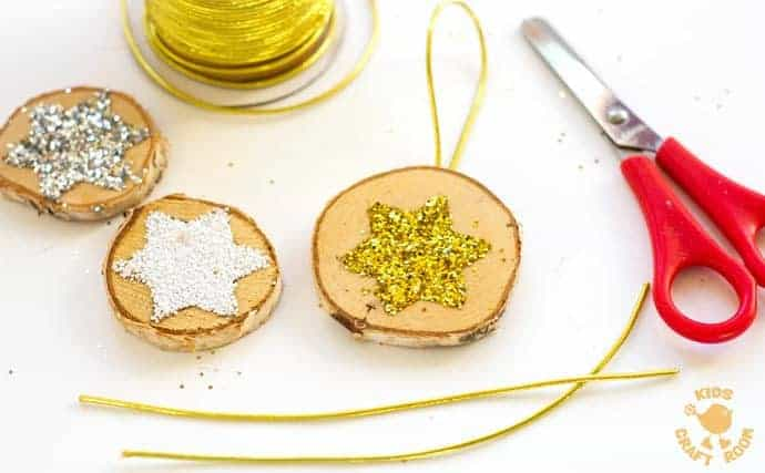 SPARKLY STAR WOOD SLICE ORNAMENTS are a quick and easy Christmas craft. These DIY Wooden Christmas Ornaments are a gorgeous combination of natural and bling! step 4