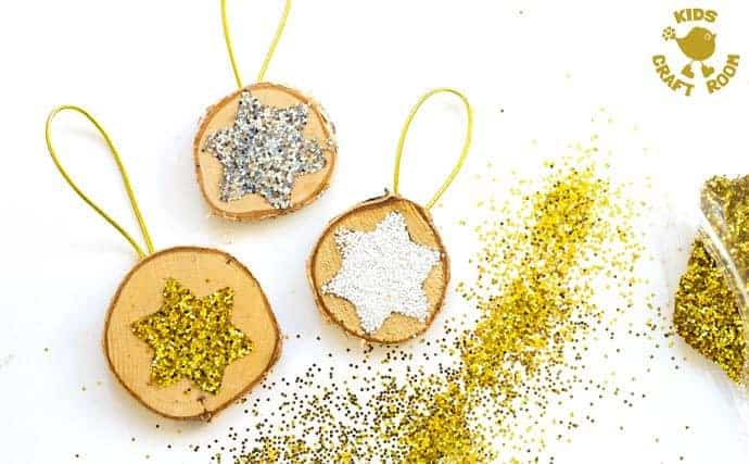SPARKLY STAR WOOD SLICE ORNAMENTS are a quick and easy Christmas craft. These DIY Wooden Christmas Ornaments are a gorgeous combination of natural and bling! step 5
