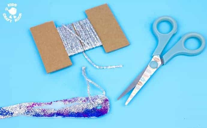 Gorgeous Glittery Icicle Craft - step 5