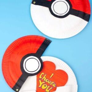 Hinged Paper Plate Pokeball Craft