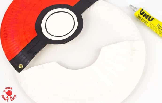 Paper-Plate-Pokeball-Craft-step-5