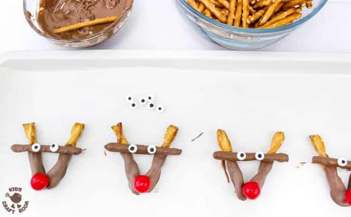 Step 3 Easy Chocolate Pretzel Reindeer Treats
