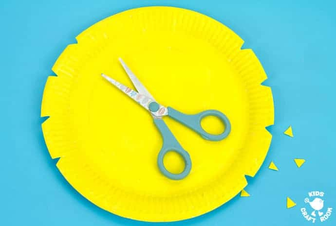 Save  sc 1 st  Kids Craft Room & Woven Paper Plate Bee Craft - Kids Craft Room