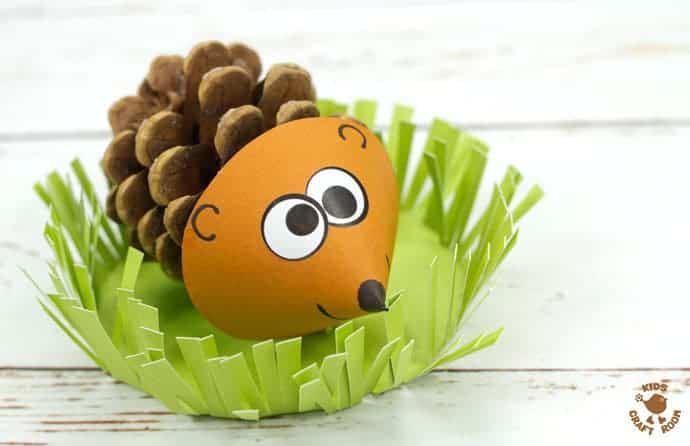 How adorable are these pinecone hedgehogs? We love how they sit in a grassy home where they can snuffle around for their dinner! Too cute!