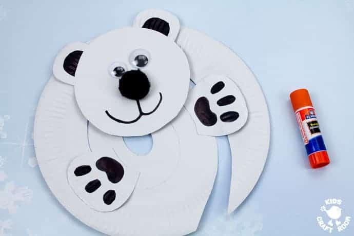 Paper Plate Polar Bear Twirler step 5