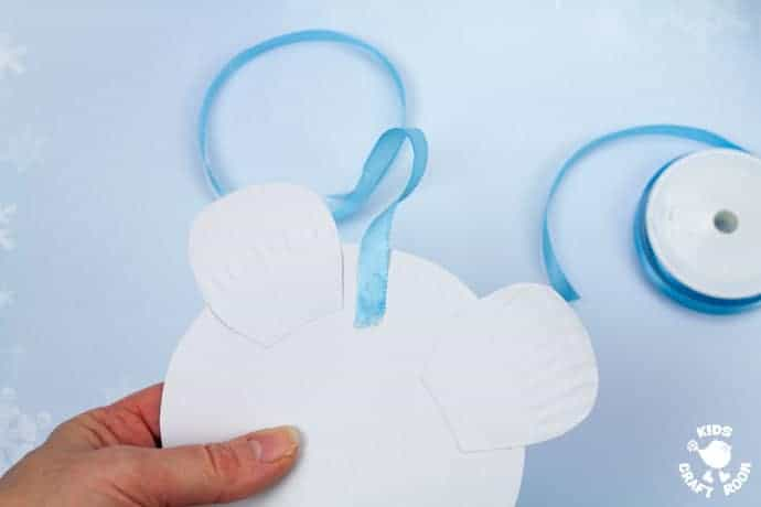 Paper Plate Polar Bear Twirler step 8