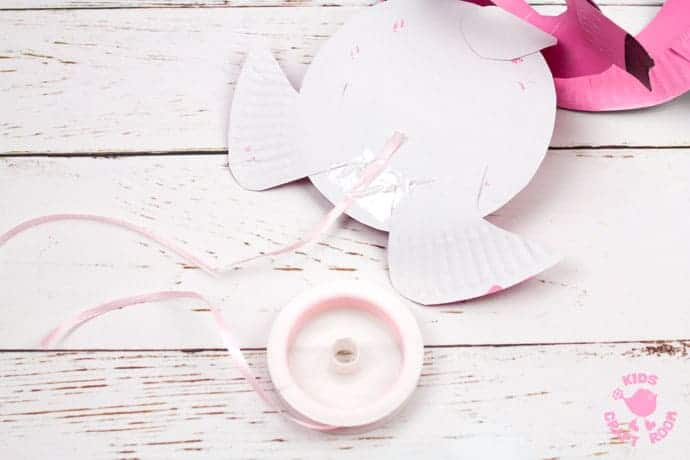 Paper Plate Pig Twirler step 11