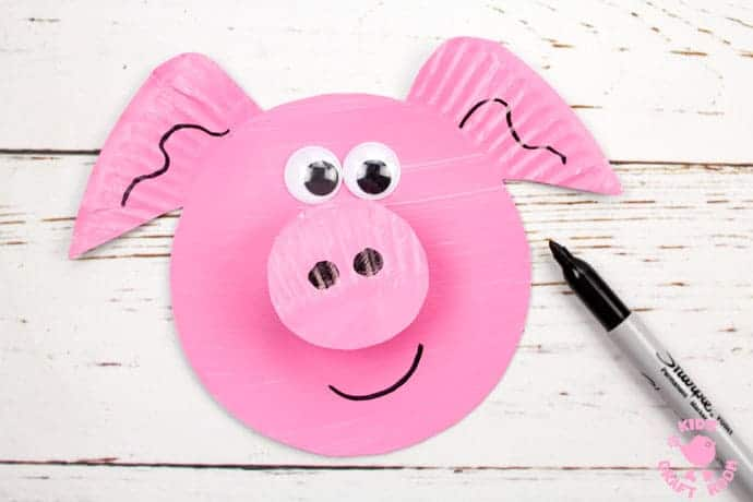 Paper Plate Pig Twirler step 8