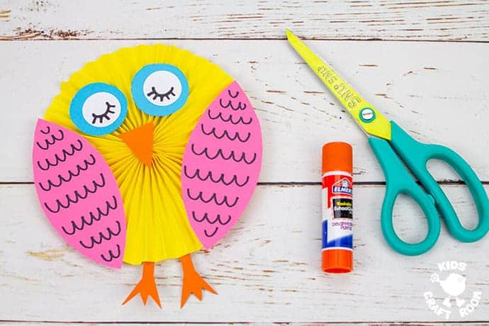 Easy Paper Owl Craft with added legs