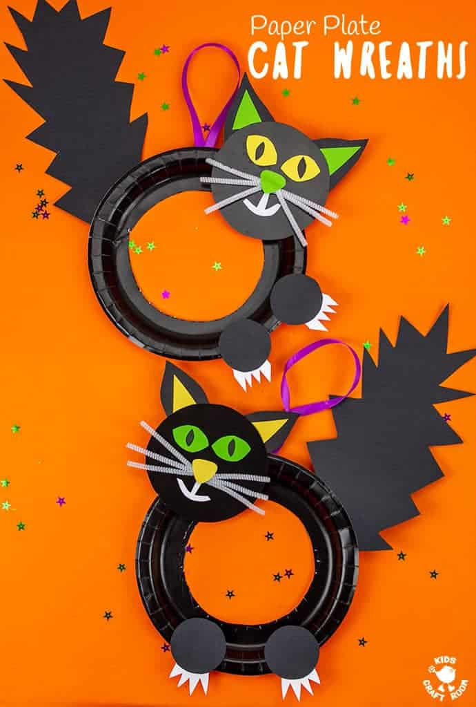 Halloween Black Cat Wreath Craft showing two black witches cats