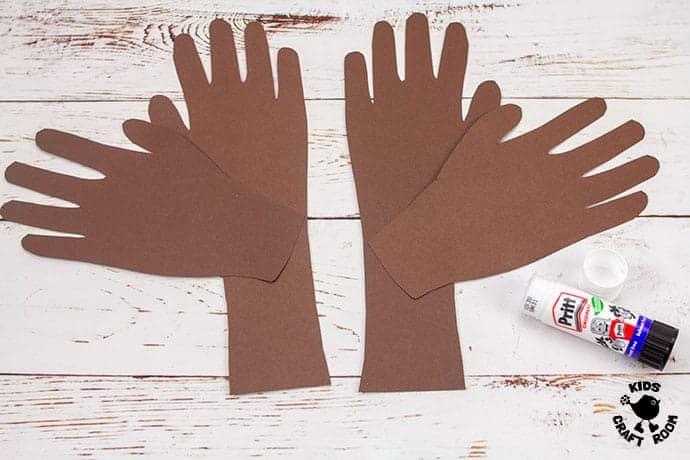 Textured Handprint and Paper Plate Reindeer Craft step 3
