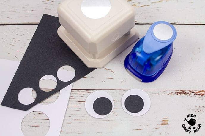 Textured Handprint and Paper Plate Reindeer Craft step 4