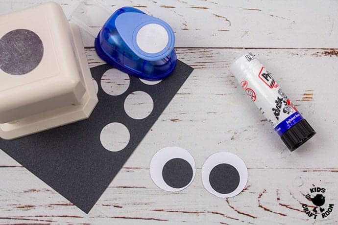 Paper Plate Robin Craft step 4