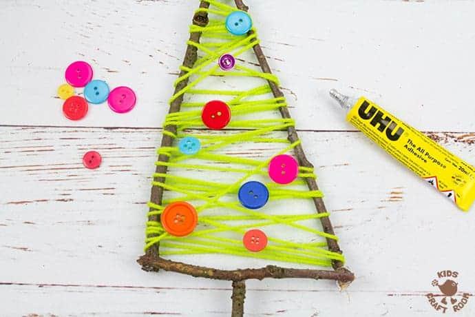 Yarn And Twig Christmas Tree Craft step 5