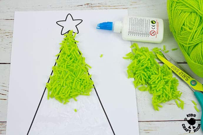 Scrap Yarn Christmas Tree Craft step 2