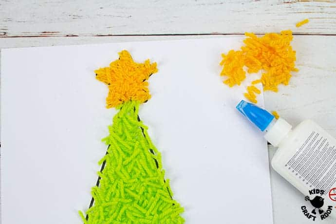 Scrap Yarn Christmas Tree Craft step 3