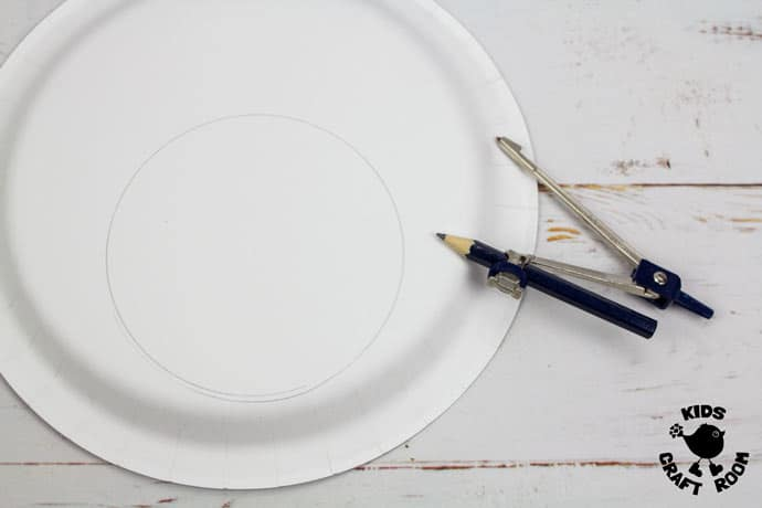 Paper Plate Robin Lacing Craft step 1