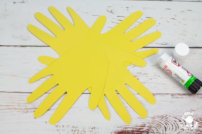 Handprint Daffodil Craft step 4