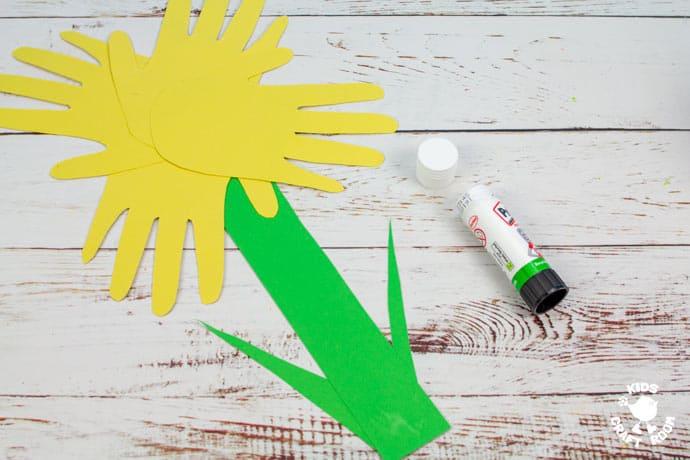 Handprint Daffodil Craft step 6