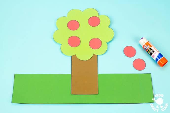 Apple Tree Hat Craft step 3.